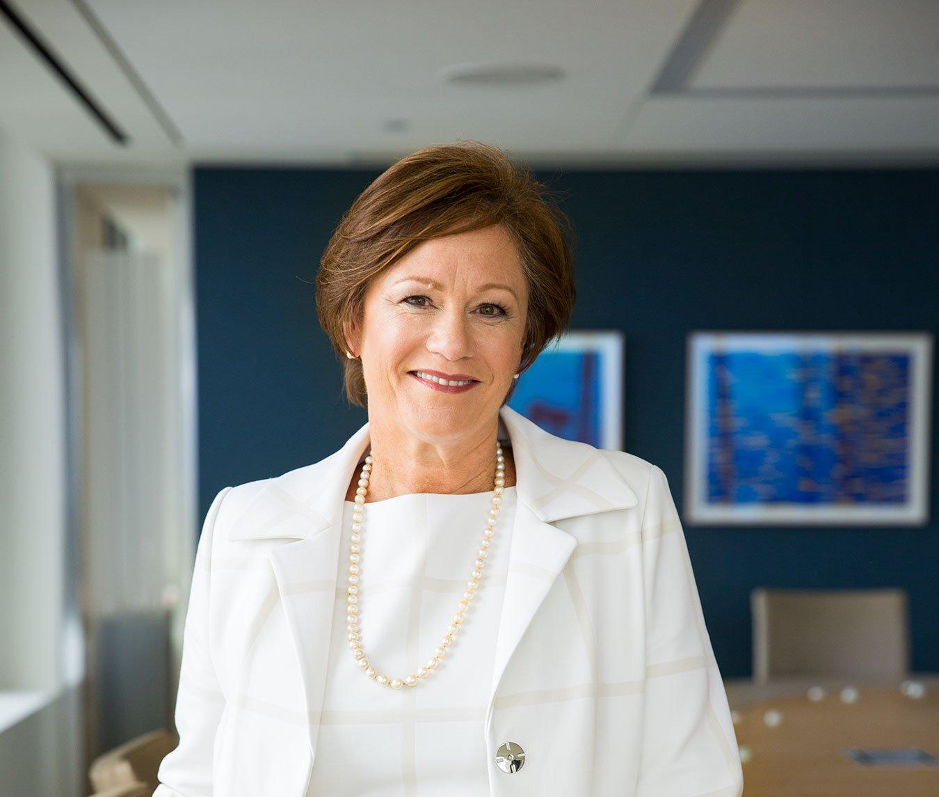 Advisor Lynne Knox